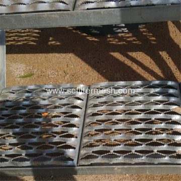Galvanized Steel Anti-slip/Non-slip Perforated Metal Tread