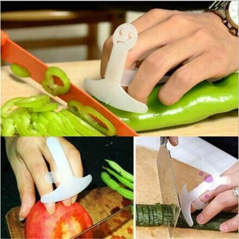 2pcs Smiley Kitchen Gadgets Anti-cut Hand Finger Protector (White)