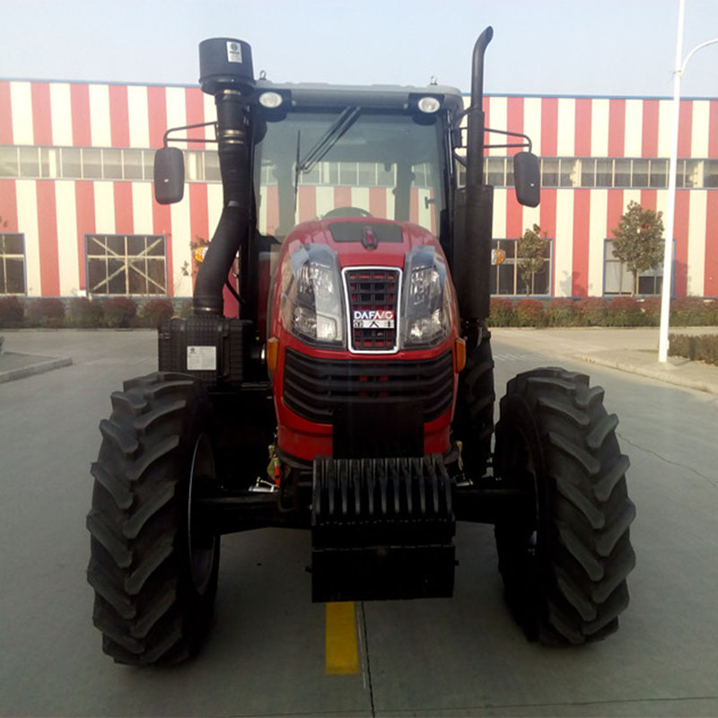 Wheeled tractor 140HP