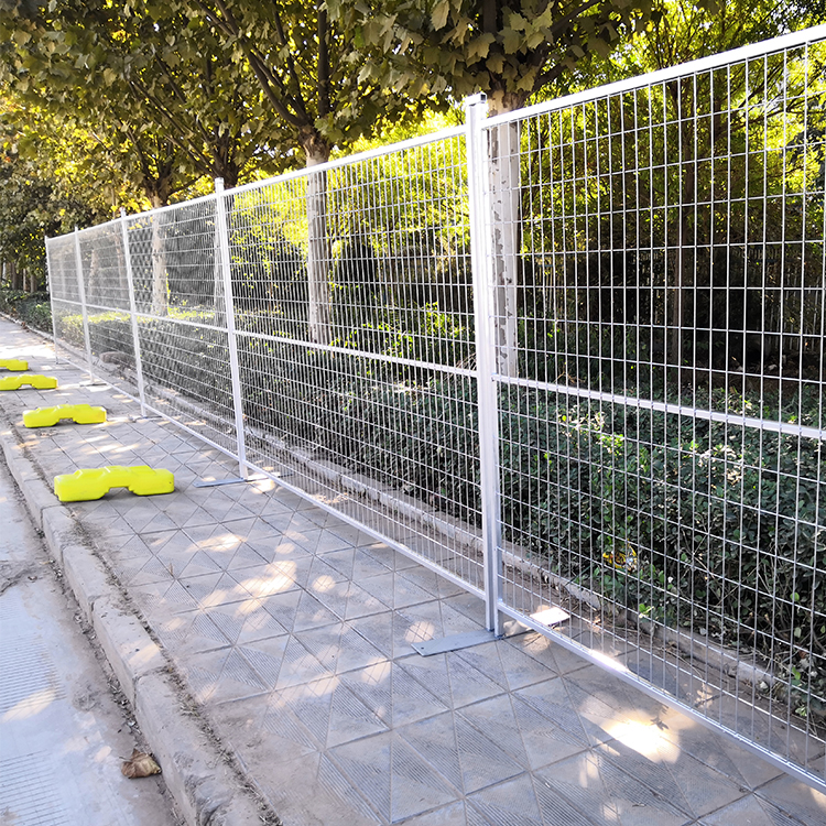 cheap removable welded wire mesh fence construction