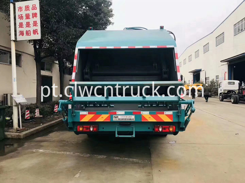 waste collection truck 5