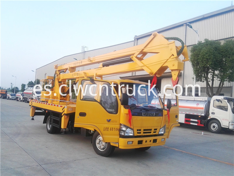 truck with bucket lift