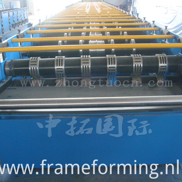 Metal Decking Roll Forming Machine