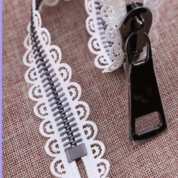 10 Inch separating zipper with pretty lace edge
