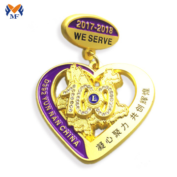 Decoration Gold Heart Diamond Badge