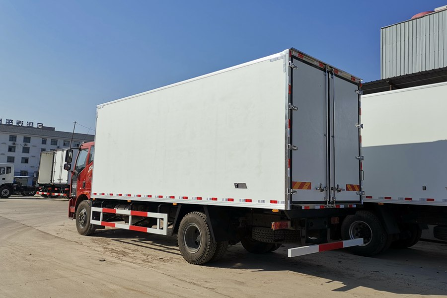 18 ton refrigerated truck 1