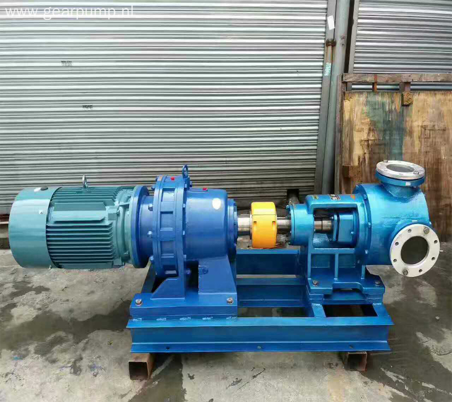 Hydraulic bitumen transfer triple plunger internal bitumen gear pump