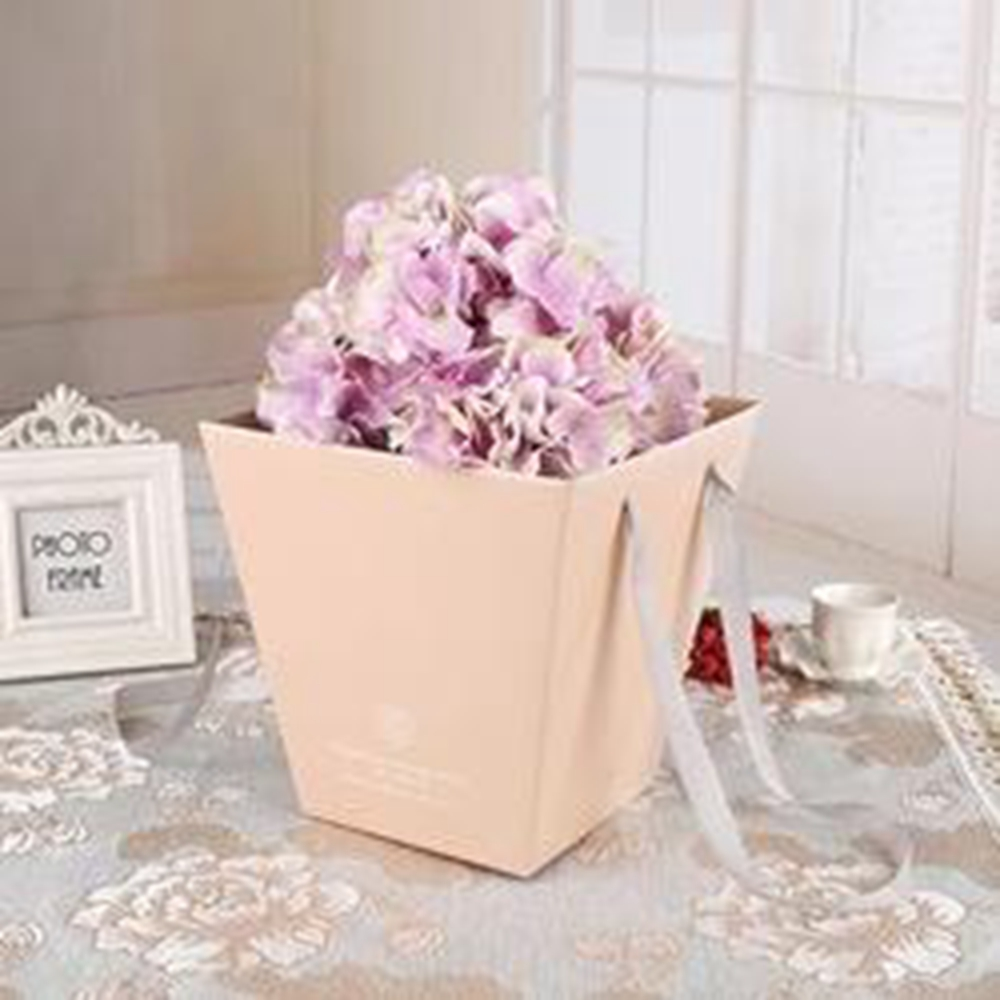 Bouquet Boxes with Plastic Buckets
