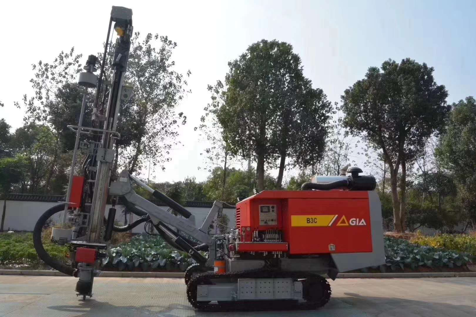 new GIA B3C rock drilling rigs