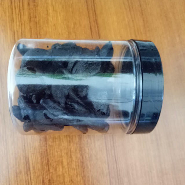 peeled black garlic (25)