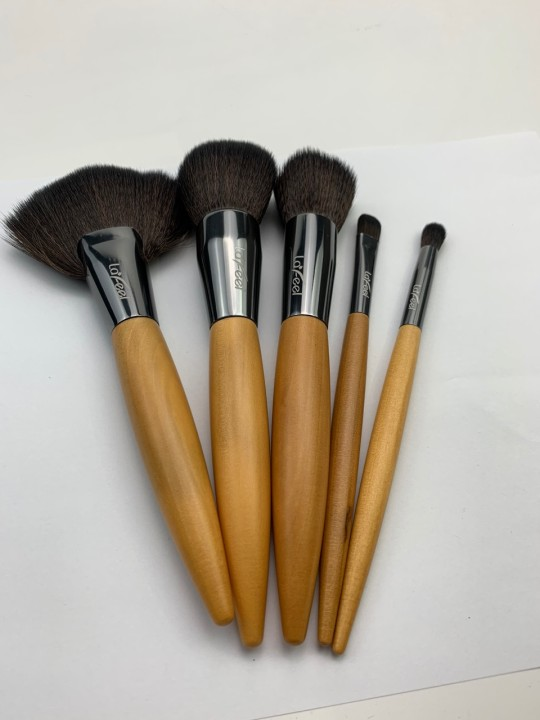 Lafeel Makeup Brush