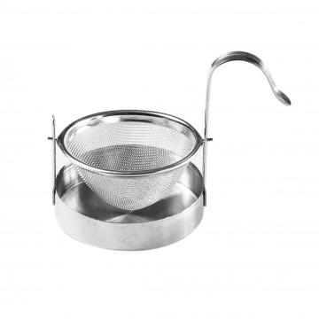 tea strainer with plate