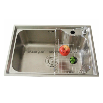 Single basin kitchen sink made of stainless steel