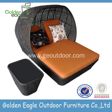 New Design PE Rattan Garden Wicker Sunbed