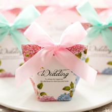 Pyramid paper candy box wedding favors