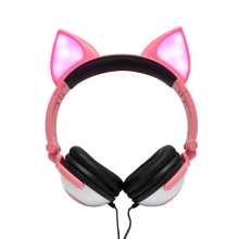 Sensitivity 103dB cute cheap headphone with colorful light