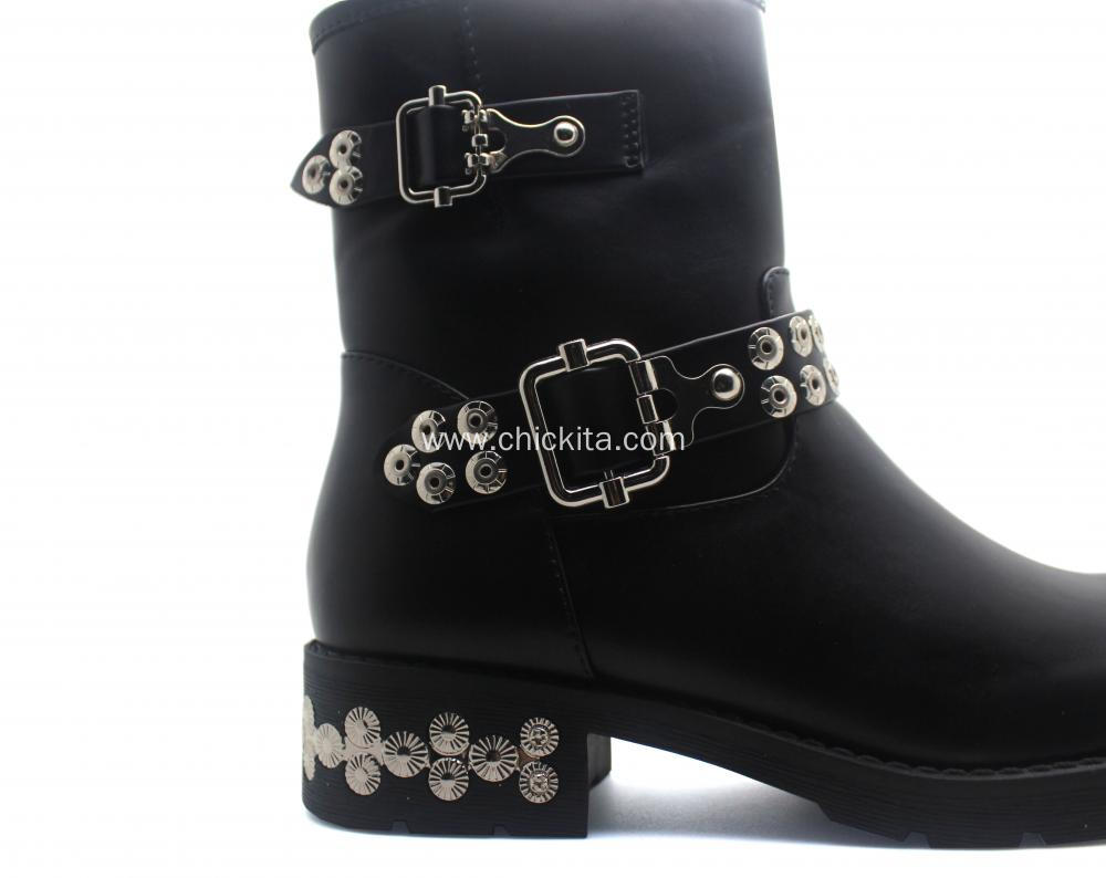 Fashion Ladies Martin Boots With Rivet decoration
