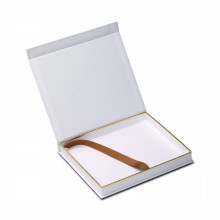 White Gift Boxes With Magnetic Lid