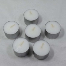 Unscented mini tealight with Aluminium holder