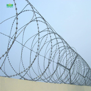 Razor blade barbed wire machine
