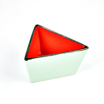 High quality dinnerware small custom ceramic triangle dish for sale