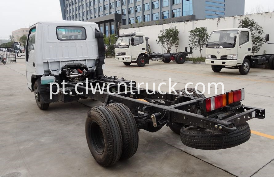 heavy wrecker tow trucks chassis 2