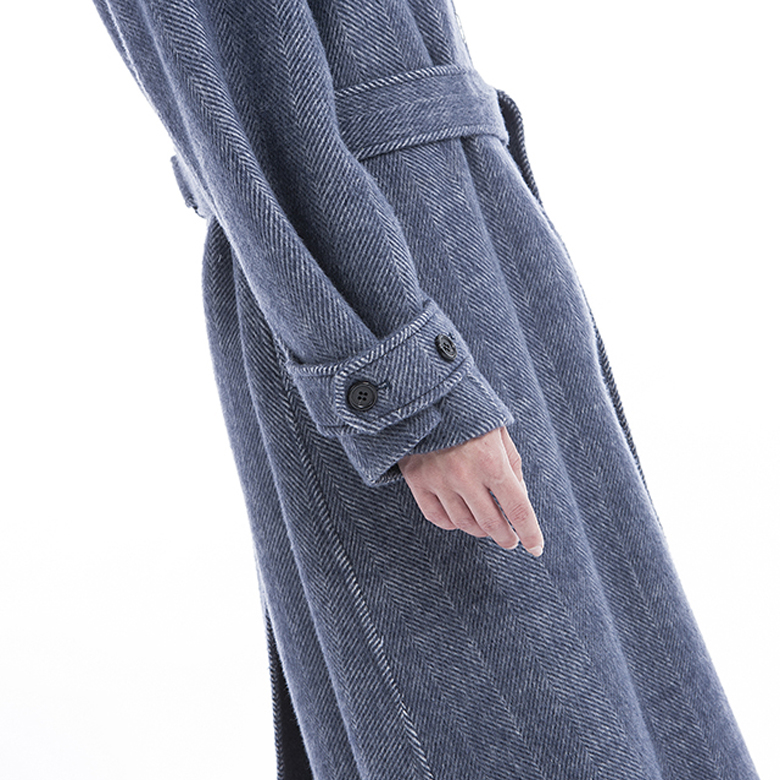 Sleeves of Classic Cashmere Coat of 2019