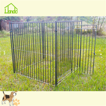 Heavy outdoor dog cage with welded mesh