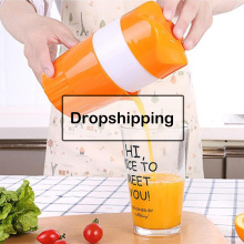 Portable Manual Citrus Juicer for Orange Lemon Fruit Squeezer 300ML Orange Juice Cup Child Outdoor Potable Juicer Machine