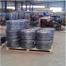 Hot dipped galvanized reverse twist barbed wire factory