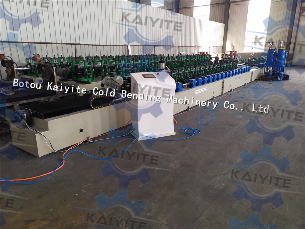 pu foam injection machine for window