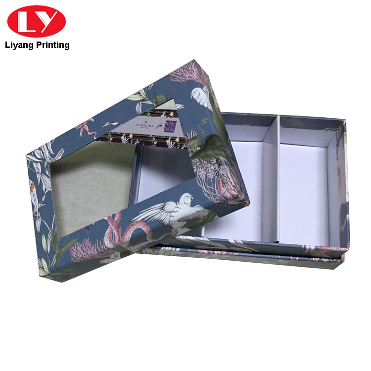Box With Clear Window 1