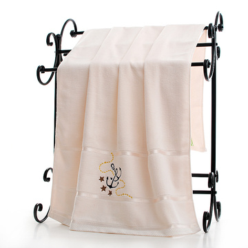 the bath towel with embroidery anchor