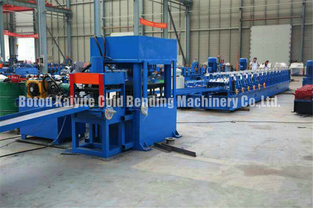 Metal Highway Guardrail Roll Forming Machine