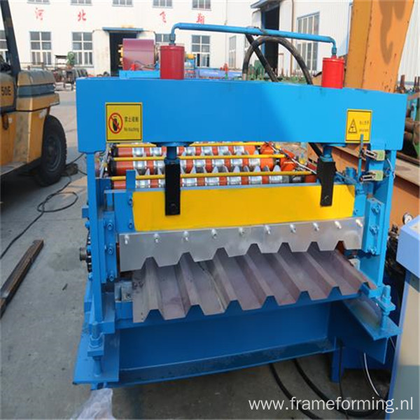 Color steel roll panel making machine