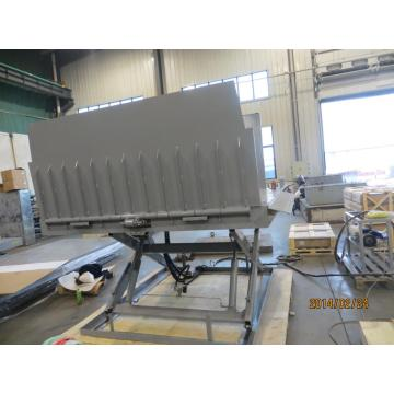 Moving equipment lift table