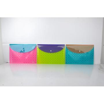 Water resistant brilliant color filling envelopes