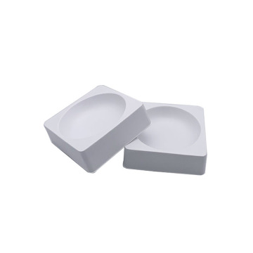 Thermoforming small square plastic trays