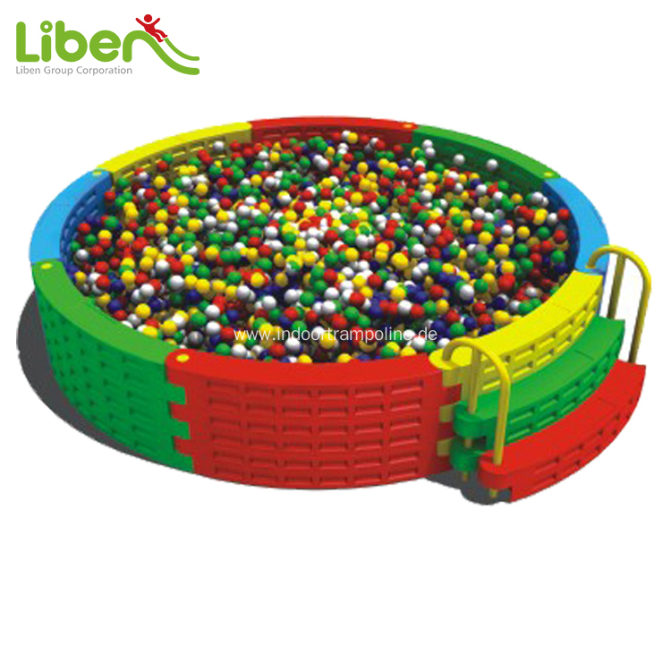 Indoor plastic ball pool for child