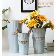 Vintage Wrought Iron Flower Bucket Flowerpot Flower Succulent Family Garden Deck Home Decoration Iron Art Flower Vase