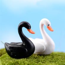 2pc/lot Black White Swan Figurine Decoration Mini Fairy Garden Animals Statue Miniature Home Desk Ornaments Resin Craft