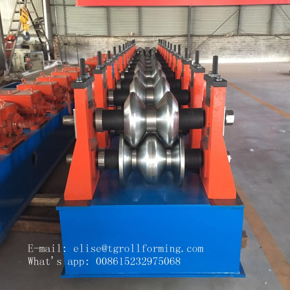 Easy Operation Two Waves Highway Guardrail Machine