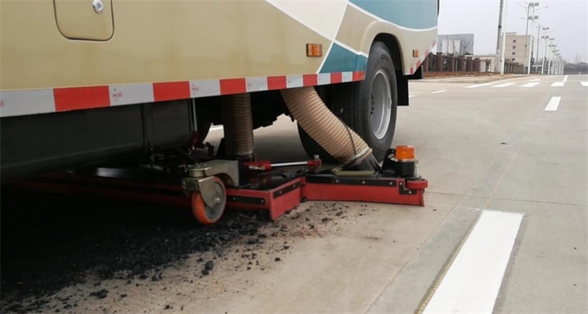 road sweep truck suction coal cinder