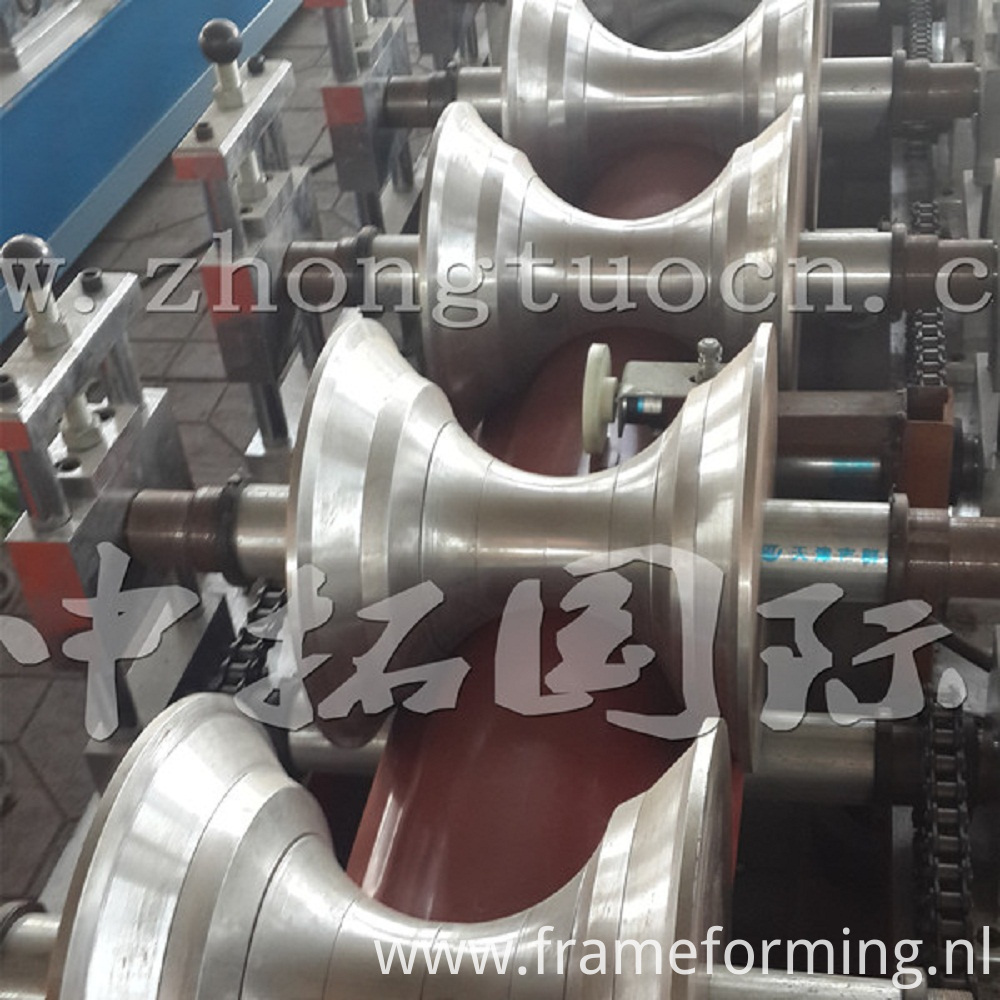 Ridge roll forming machine (14)