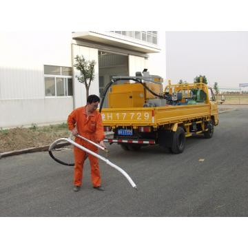 Asphalt crack  repair machine