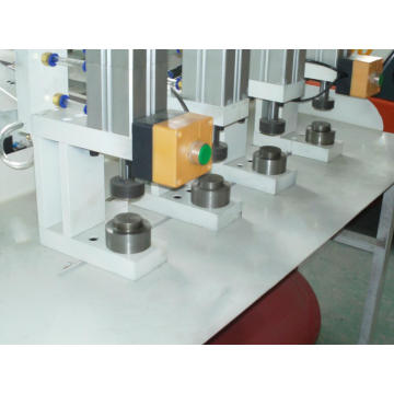 Rotation Pneumatic Riveting Ring Punching Machine