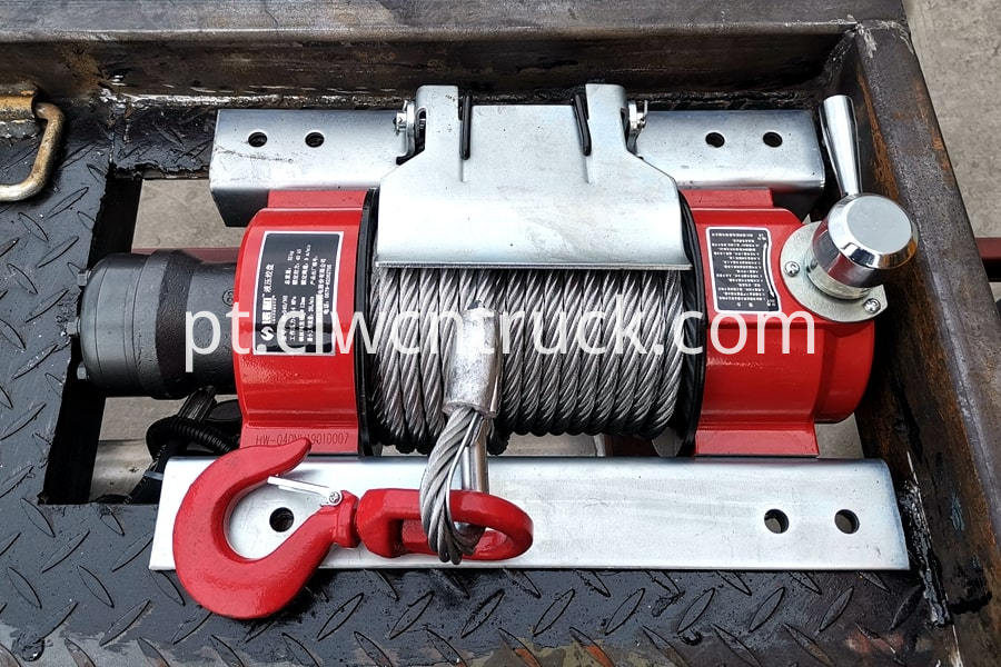 Flatbed Towing vehicle details 2