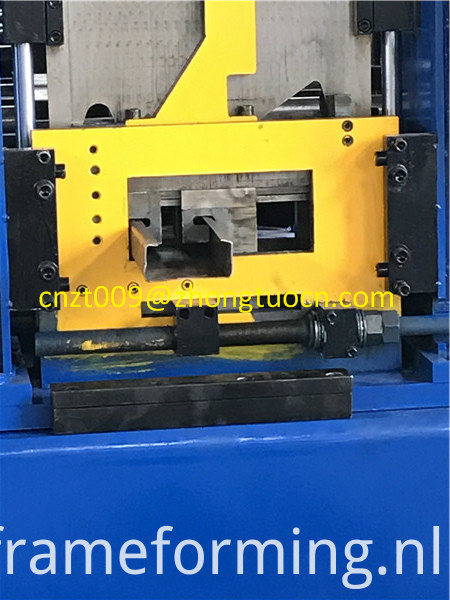 low price manual adjusting C purline roll forming machine 66