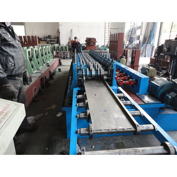 Many sizes shelf  panel rolling machine