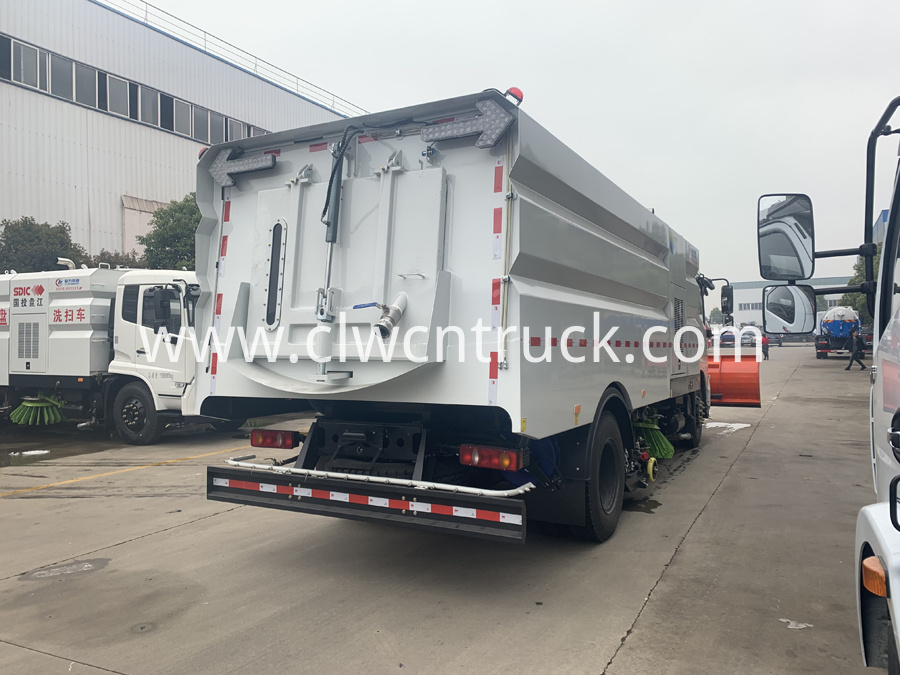 street sweeper cleaning truck 6